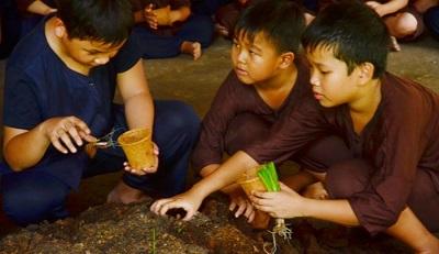 Tour Người nông dân trẻ