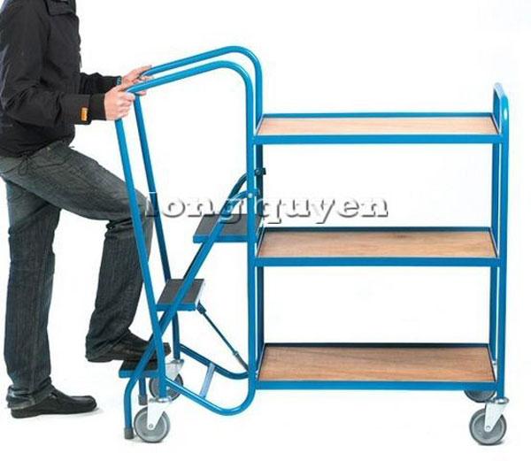 Xe đẩy gắn thang trèo