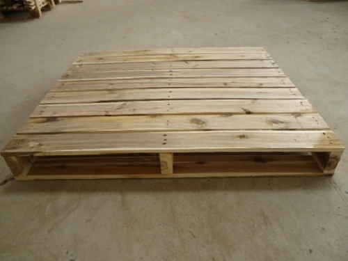 Pallet gỗ 2 hướng nâng - tải trọng 1,5 tấn