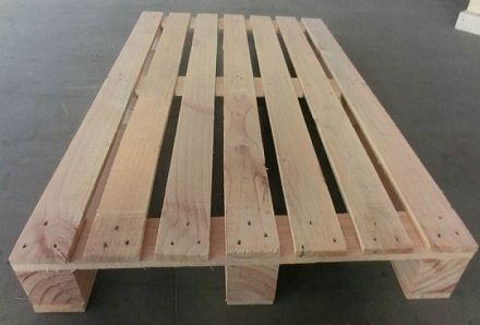 Pallet gỗ 2 hướng nâng - tải trọng 3,5 tấn