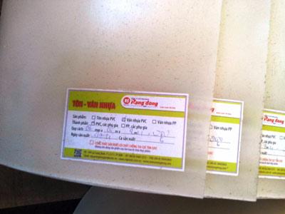 Ván nhựa PVC trắng đục (hoặc vân xanh) 070x080x2,4