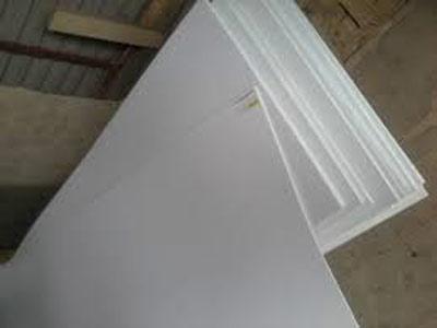Ván nhựa PVC trắng đục 150x080x2,4