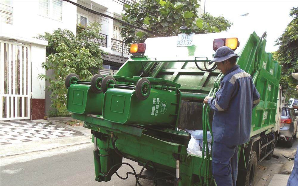 Thu gom, vận chuyển rác sinh hoạt