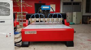 Máy CNC đục gỗ vi tính 6 đầu