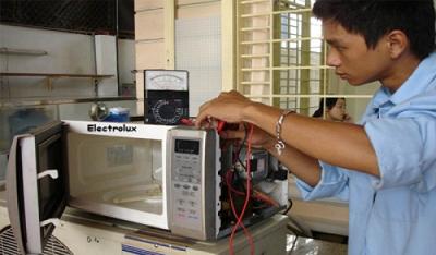 Sửa lò vi sóng tại nhà khu vực Biên Hoà