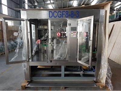 Máy chiết rót đẳng áp đóng chai VADCGF 6000