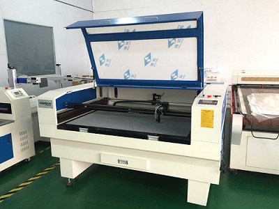 Máy cắt laser hoa văn