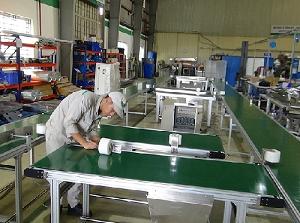 Dây chuyền băng tải PVC vận chuyển sữa