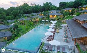 Combo Phú Quốc 4 Ngày 3 đêm ở Lahana Resort 4*